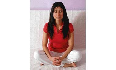 Eλέγξτε με γιόγκα την υπέρταση από το στρες! | vita.gr