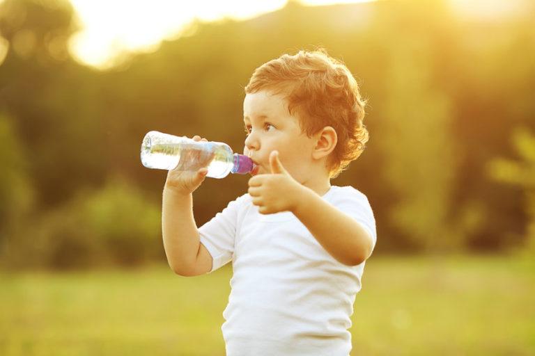 Ένα ποτήρι νερό μας κάνει πιο έξυπνους; | vita.gr
