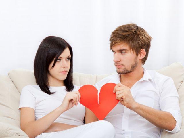 Σβήνει η φλόγα της σχέσης μετά τον έναν χρόνο | vita.gr
