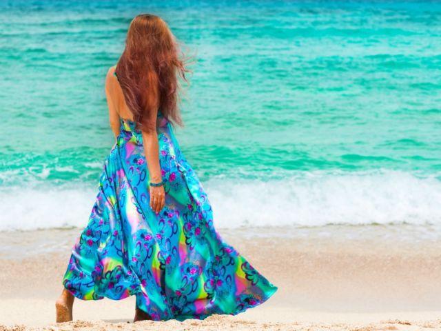 Πώς να προστατεύσω τα μαλλιά μου στις διακοπές; | vita.gr