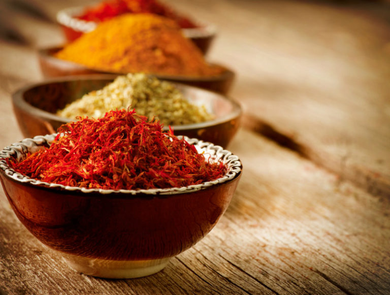 Μπαχαρικά & βότανα: Μεγαδόσεις υγείας και γεύσης | vita.gr