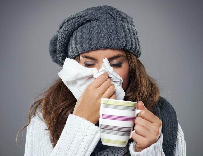 Πότε «κολλάει» περισσότερο το κρυολόγημα; | vita.gr