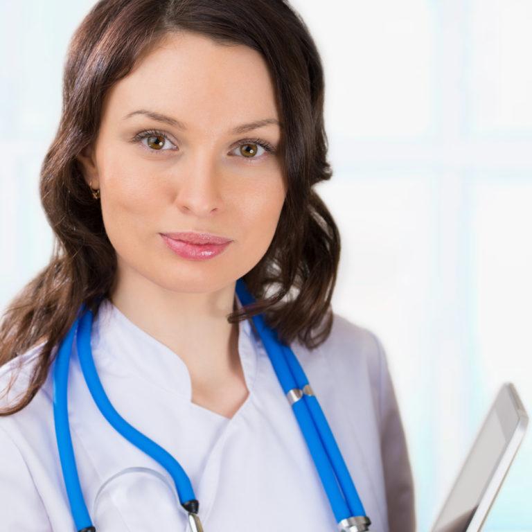 Θα διαλέγατε άνδρα ή γυναίκα γιατρό;   vita.gr