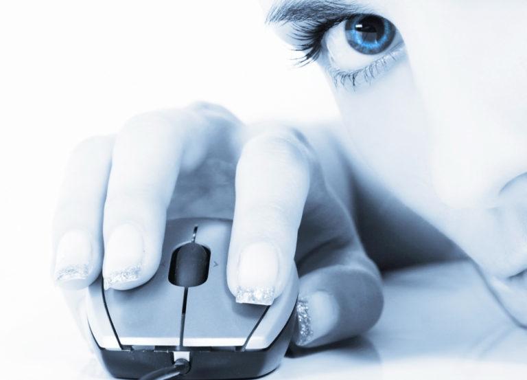 Η οθόνη κάνει κακό στα μάτια | vita.gr