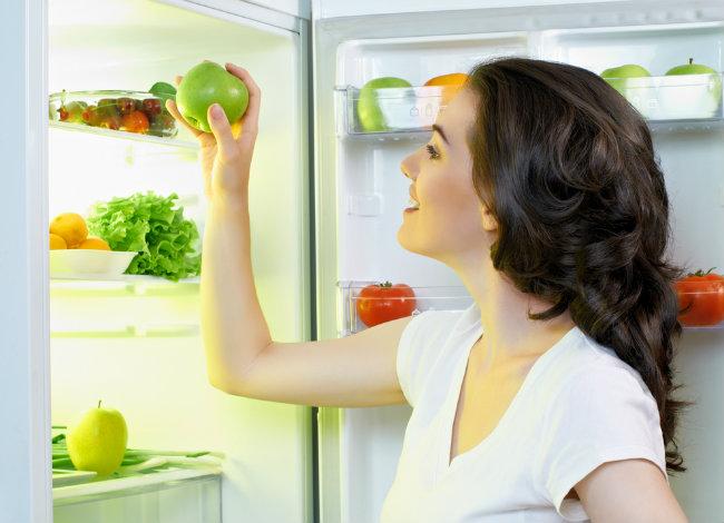 Οργανώστε το ψυγείο σας και χάστε βάρος | vita.gr