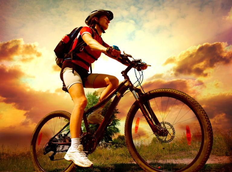 Αδυνατίζουμε κάνοντας ποδήλατο | vita.gr