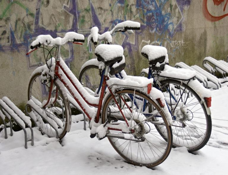 Ποδήλατο στο κρύο: τα κατάλληλα ρούχα | vita.gr