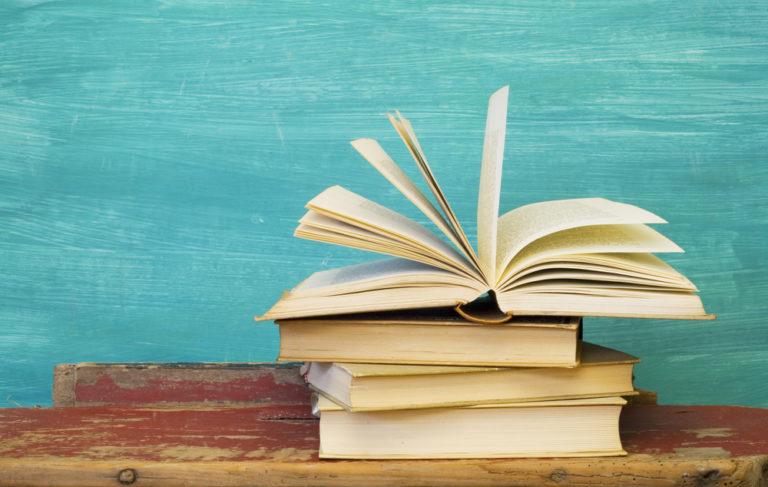 8 λόγοι για να ανοίξετε βιβλίο | vita.gr