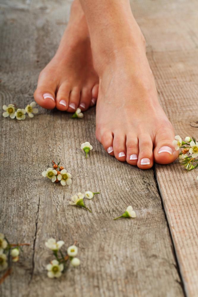 Πώς να ανακουφίσω τα κουρασμένα μου πόδια; | vita.gr