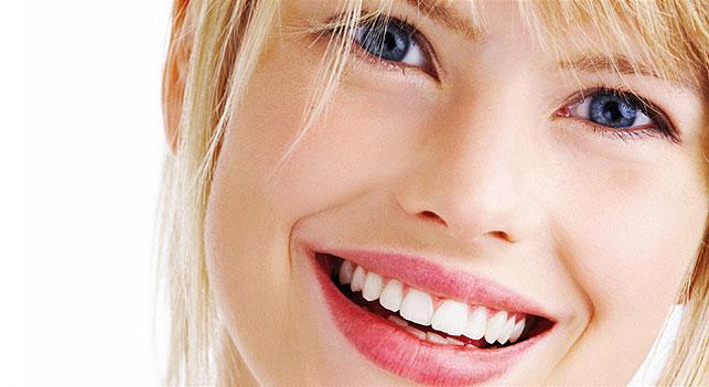 Λευκότερα δόντια σε 7 βήματα | vita.gr