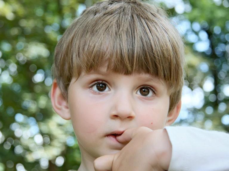 Όταν «τρώει» τα νύχια του | vita.gr