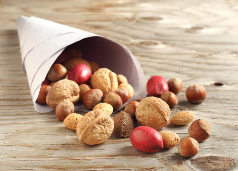 Παχαίνουν τα σνακ; | vita.gr