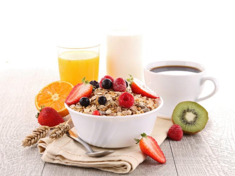 Το πρωινό βοηθά να χάσουμε βάρος | vita.gr