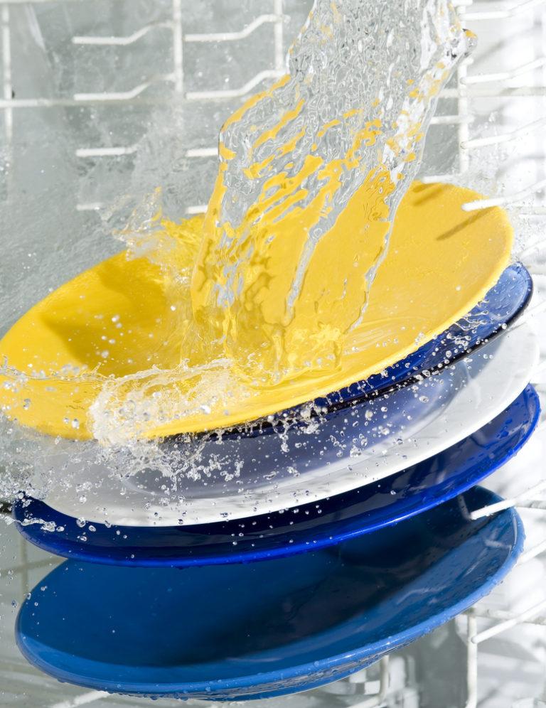 Πώς να καθαρίσω το πλυντήριο των πιάτων; | vita.gr