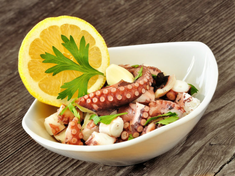 Απολαύστε τα καλοκαιρινά φαγητά χωρίς να παχύνετε | vita.gr