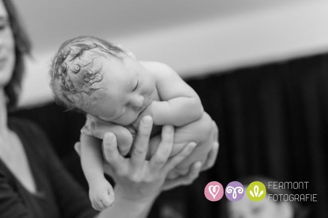 Πώς χωράει στη μήτρα το μωρό; | vita.gr