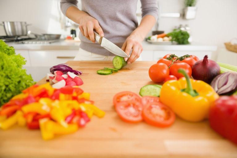 Μικρές αλλαγές στο πιάτο μεγάλα οφέλη για την καρδιά μας | vita.gr