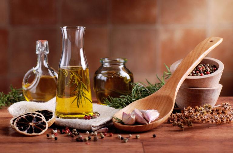 Φτιάξτε αρωματικά λάδια | vita.gr