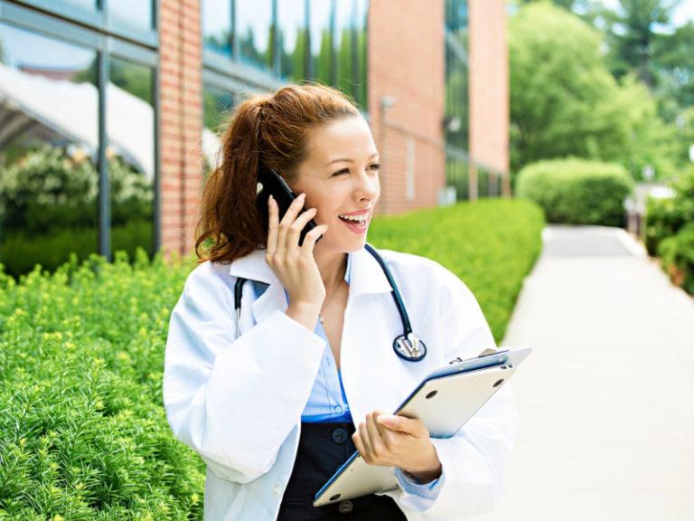 Πιο υπάκουοι σε γυναίκα γιατρό | vita.gr