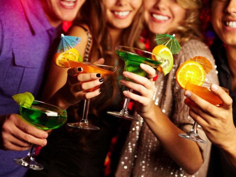 Μήπως σας παχαίνουν τα όσα πίνετε; | vita.gr