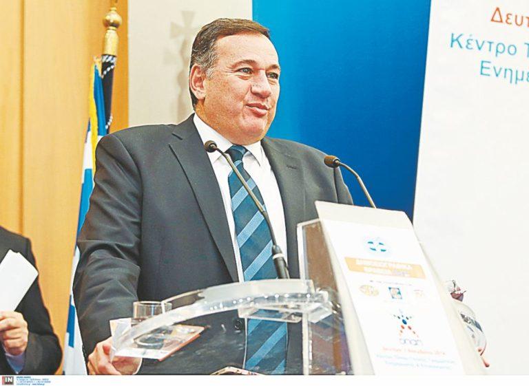 Κυβερνητική στήριξη στον Σπ. Καπράλο για τη θέση «Αθανάτου» της ΔΟΕ   vita.gr