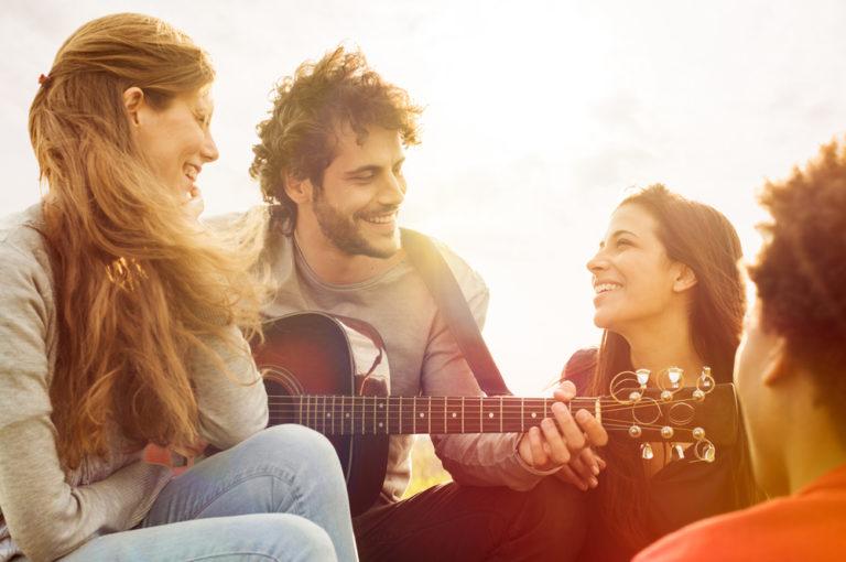 Οι φίλοι προβλέπουν πόσο θα ζήσουμε | vita.gr
