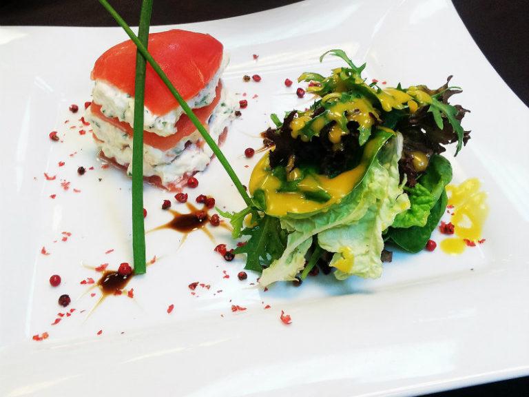 Μιλφέϊγ ντομάτας με γαρίδες ποσέ | vita.gr