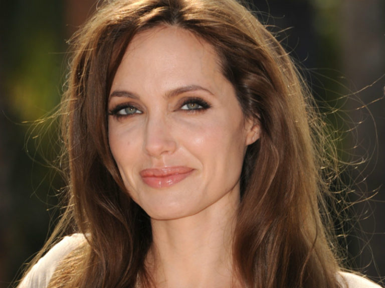 Angelina Jolie | vita.gr
