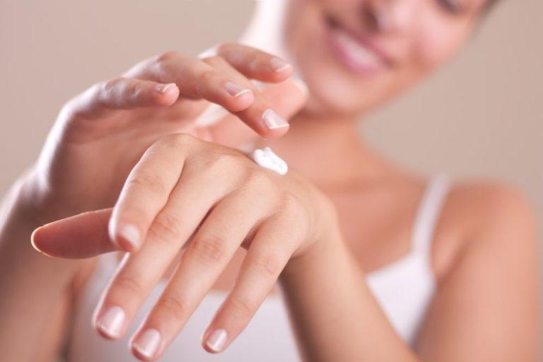 Τα χέρια μου είναι ξηρά. Τι να κάνω; | vita.gr