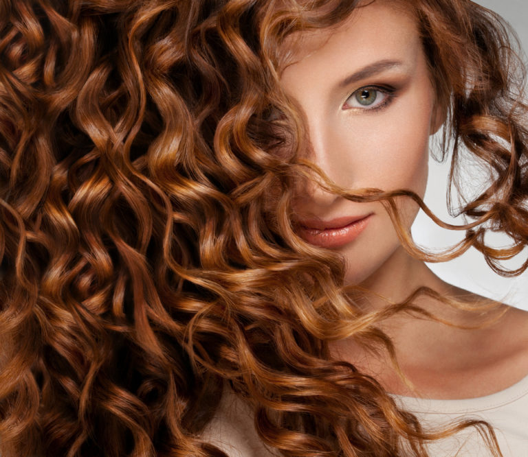 5+1 λάθη που κάνουμε στα σγουρά μαλλιά | vita.gr