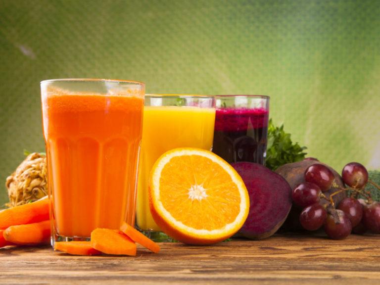 7 λόγοι για να πείτε «ναι» σε ένα ποτήρι φρέσκο χυμό | vita.gr