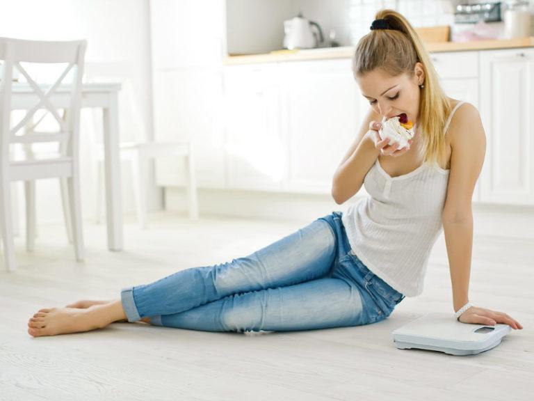 Μήπως μας παχαίνουν οι ορμόνες μας; | vita.gr