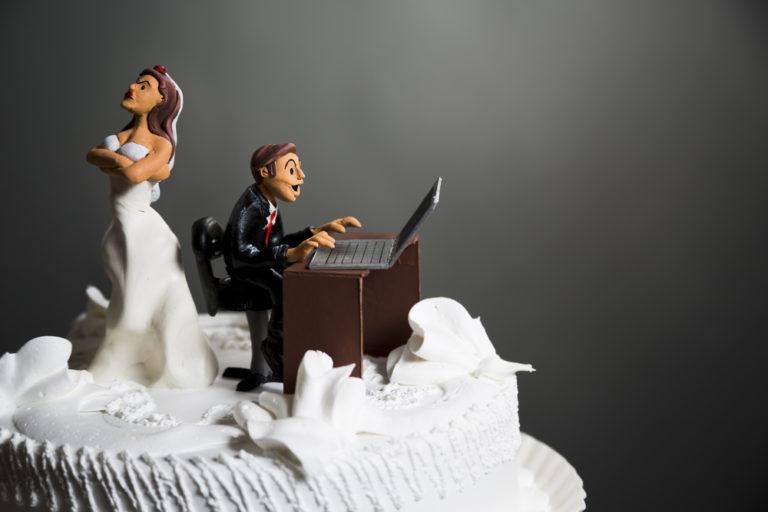 Το Facebook και το Twitter απειλή για τους γάμους | vita.gr