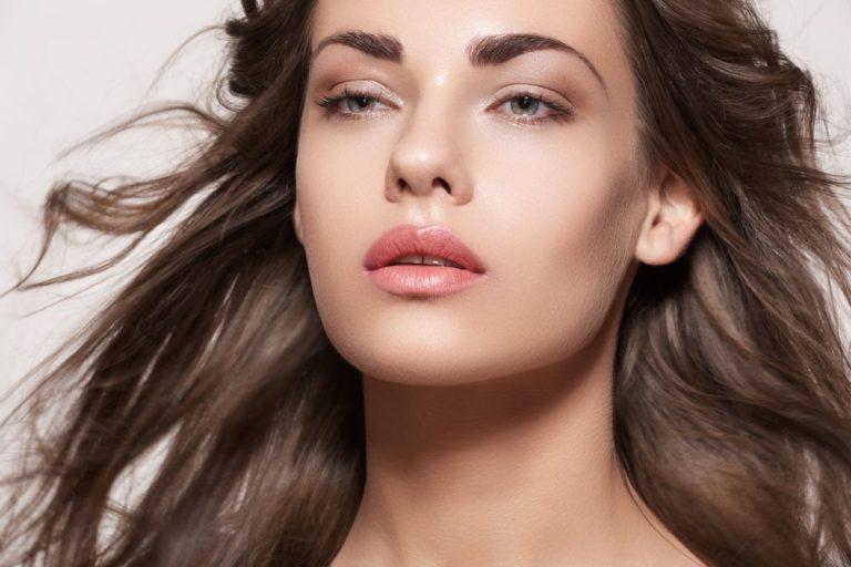 Πώς διατηρείται περισσότερο το μακιγιάζ; | vita.gr