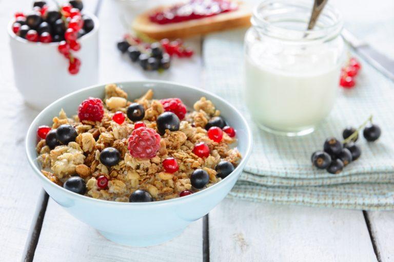 Φτιάξτε τα δικά σας δημητριακά πρωινού | vita.gr