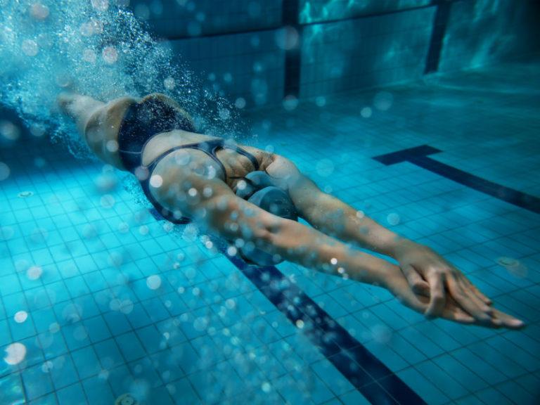 Eύκολα προγράμματα κολύμβησης για όλους | vita.gr