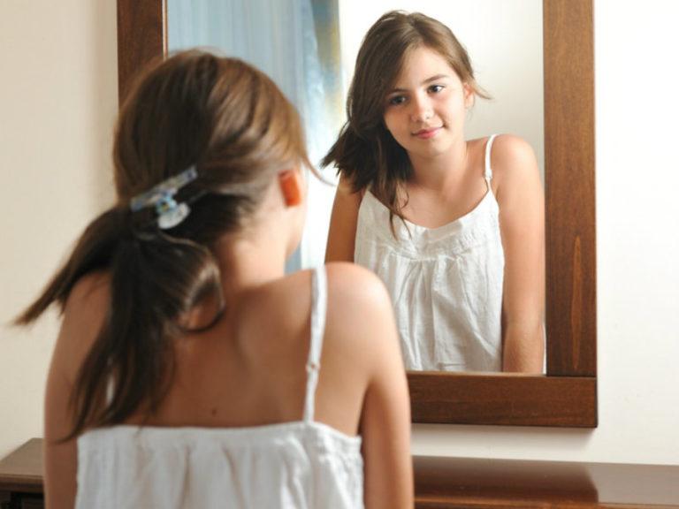 8χρονα δυσαρεστημένα με το σώμα τους | vita.gr