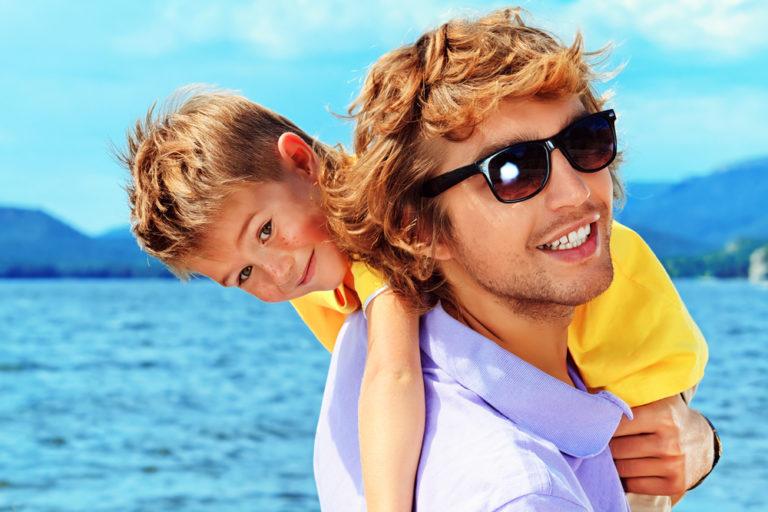 Αρέσουν οι μπαμπάδες με ωραίους γιους | vita.gr