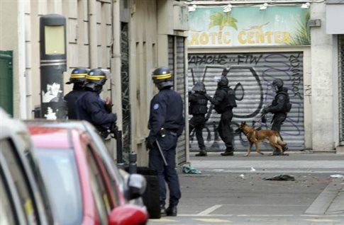 Φόρος… τιμής στη Diesel, το αστυνομικό σκυλί που σκοτώθηκε στην επιχείρηση στο Παρίσι | vita.gr