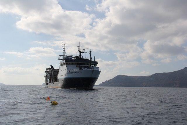 Σαντορίνη: Μελετώντας την «καρδιά» του πιο αινιγματικού ηφαιστείου στον κόσμο | vita.gr