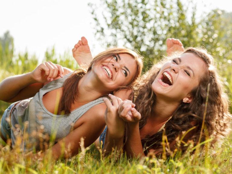 Αδυνατίστε, γελώντας | vita.gr