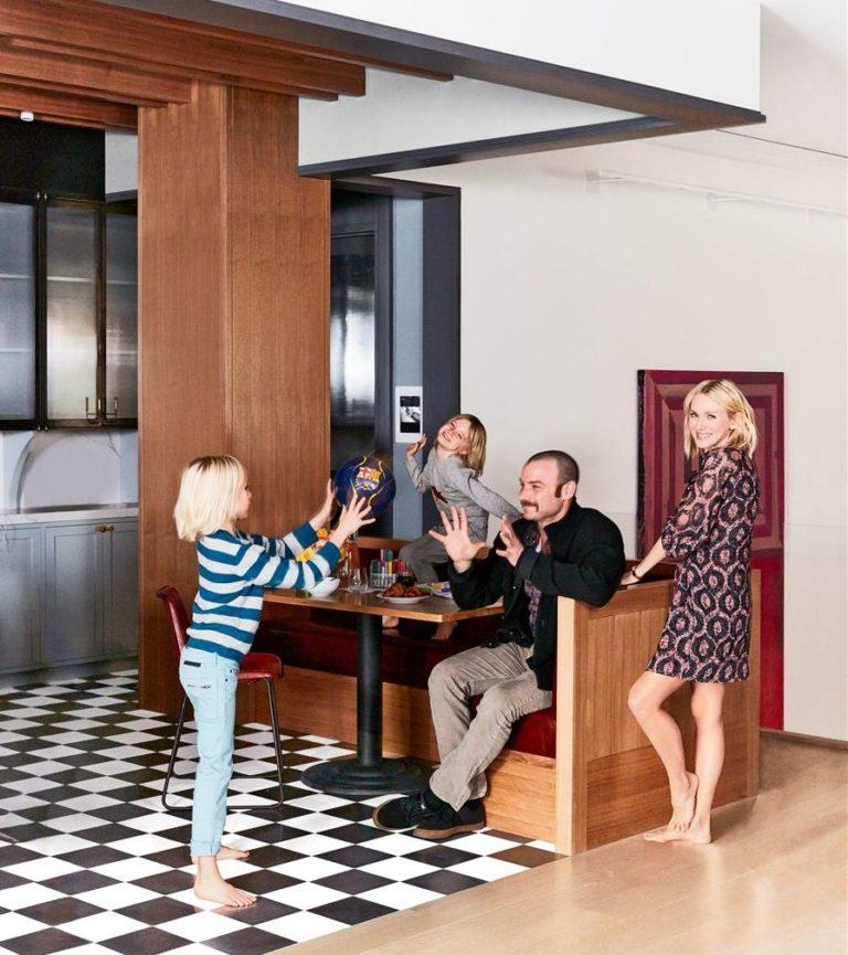 Στο σπίτι της Ναόμι Γουότς | vita.gr