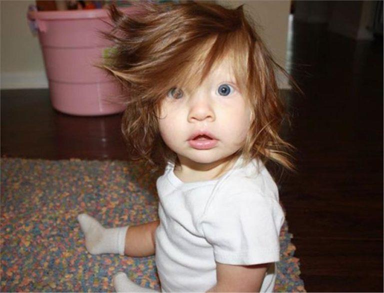 Αστείες φωτογραφίες μωρών με πολλά μαλλιά | vita.gr