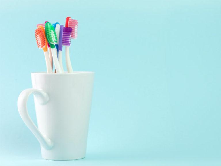 Το βούρτσισμα των δοντιών προστατεύει από τον καρκίνο; | vita.gr