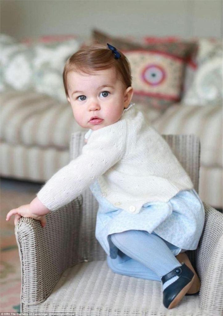 Πριγκίπισσα Σάρλοτ: Τα πρώτα της γενέθλια! | vita.gr