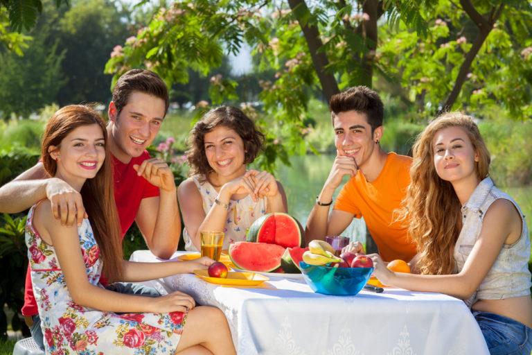 Τρώμε ό,τι και οι φίλοι μας; | vita.gr