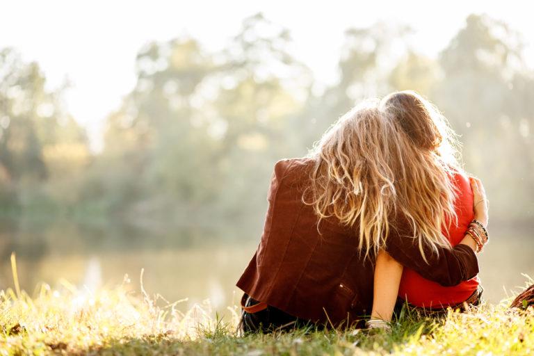 Οι γυναίκες χρειάζονται περισσότερο τους φίλους τους; | vita.gr