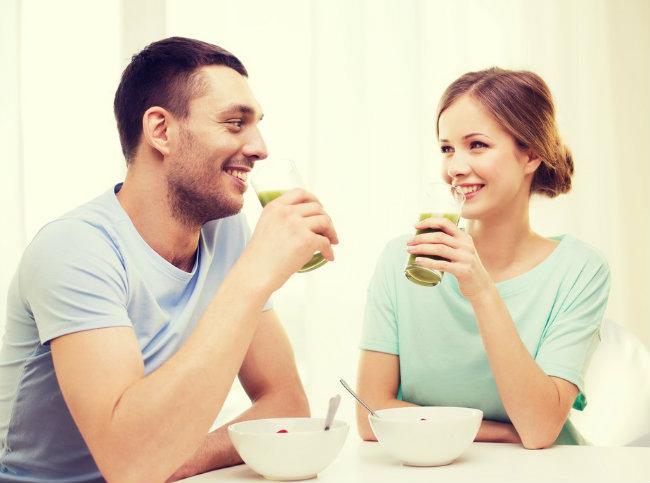 Έχετε παχύνει; Φταίει ο σύντροφός σας | vita.gr