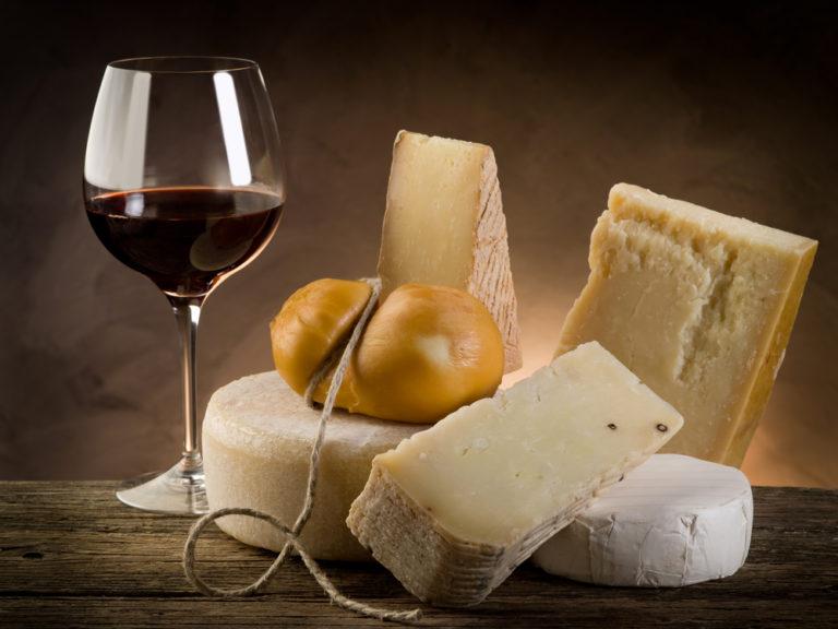 Το τυρί κάνει το κρασί καλύτερο | vita.gr