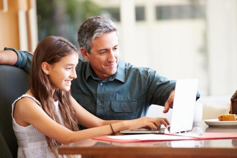 Η ζεστασιά του πατέρα επηρεάζει τις επιδόσεις των παιδιών | vita.gr